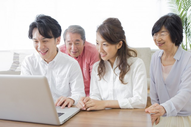 パソコンと家族