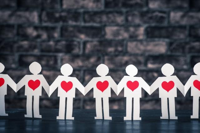 ろうきんは仲間の預金を活かして融資するという団結を表すイメージ
