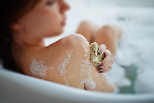 ニキビ肌に効果のある洗顔石けん