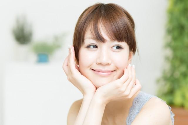 微笑む女性