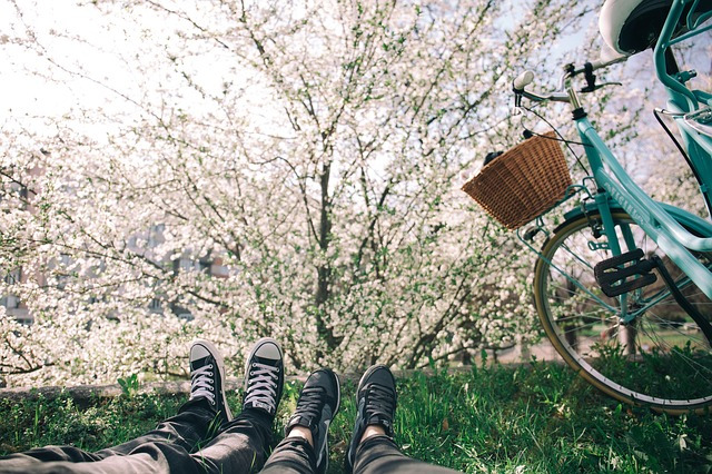 自転車とスニーカー
